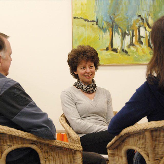 Birgit Hahnemann im Gespräch mit Eltern