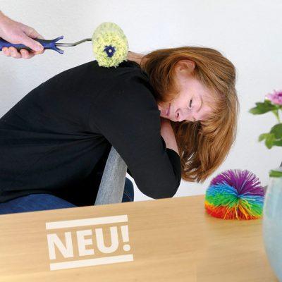 Teilnehmerin bei der Entspannung im Psychomotorik Seminar